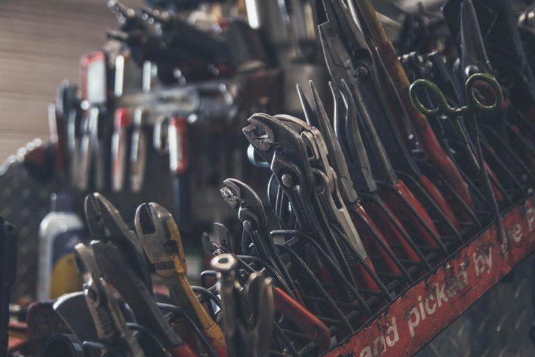 Zakup narzędzi w internetowym sklepie
