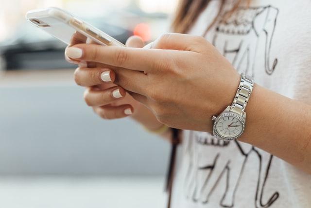 Naprawa iPhone'a w profesjonalnym serwisie – wady i zalety