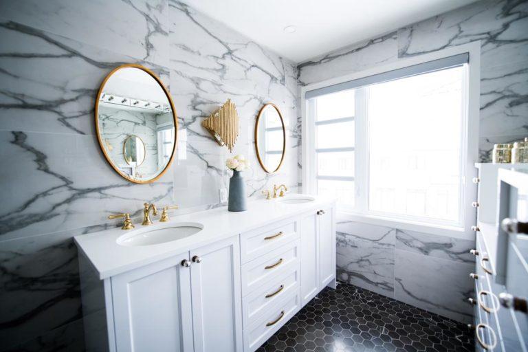 Jak stworzyć wygodną łazienkę?