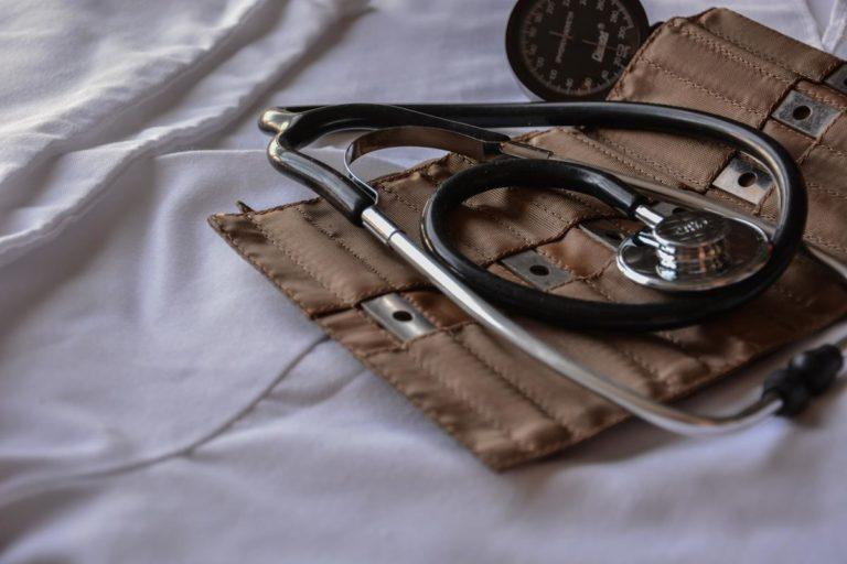 Państwowa opieka medyczna, a otwarcie prywatnego biznesu.