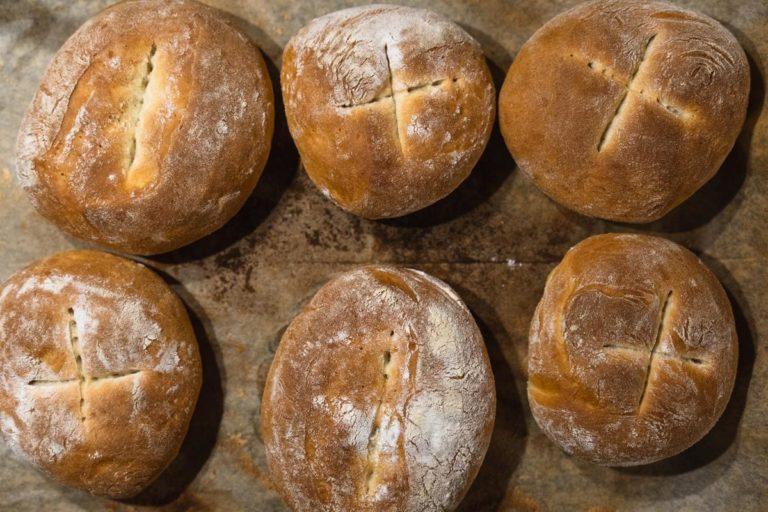 Różne typy mąki do wyrobu pieczywa