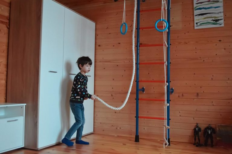 Urządzenia gimnastyczne dla dzieci
